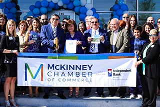 Group of people in the McKinney Chamber of Commerce